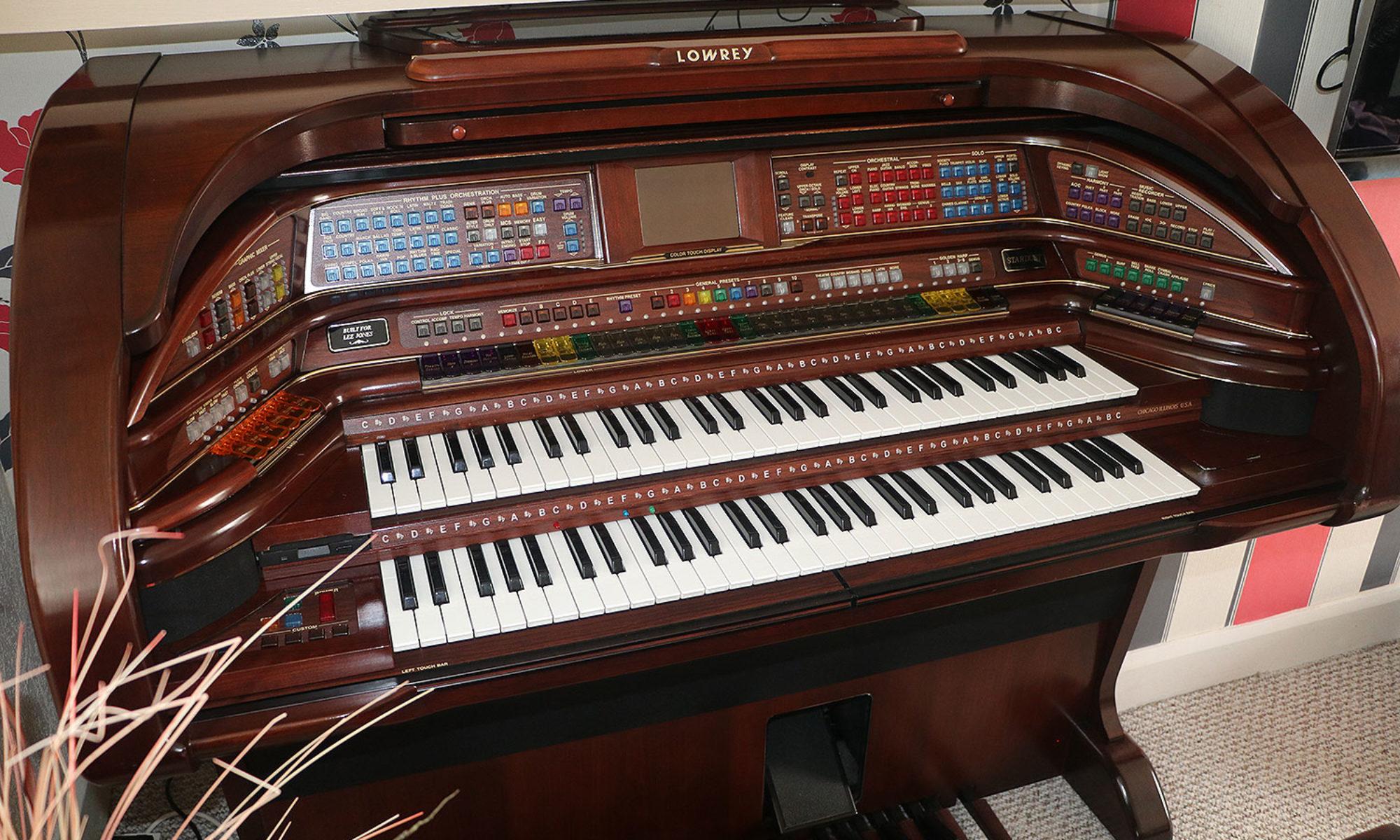 the lowrey forum the other one lowrey organ rh lowreyorgan uk Magic Genie Lowrey Organ Manuals Lowrey Genie 44 Organ Models